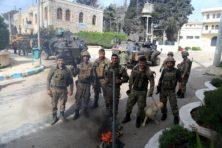 Mogen Turkse Nederlanders met Turks leger meevechten in Afrin? Kabinet laat het aan hen