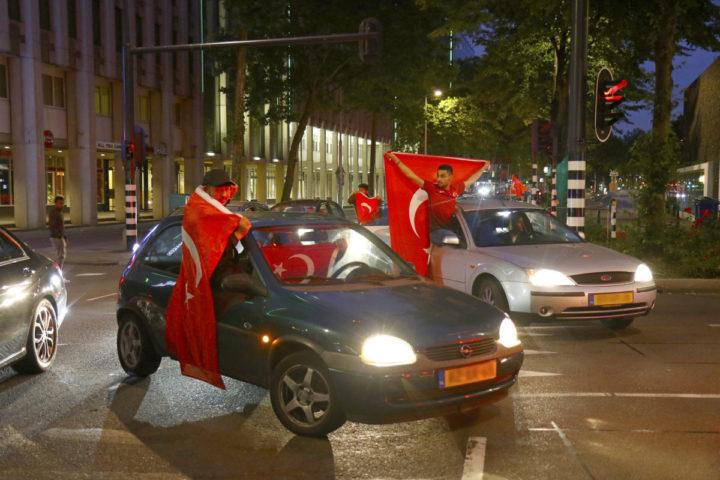 Turken vieren feest in Rotterdam