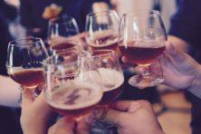 Waarom houden we toch zo van alcohol?