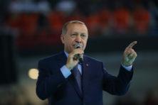 Erdogan stelt gerust: 'Zij hebben de dollar, maar wij hebben Allah'