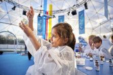Activisten richten pijlen op kinderfestival Shell