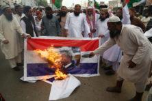 Hierom trekt Nederland ambassademedewerkers terug