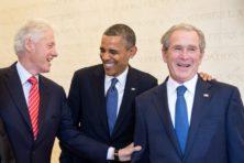 Plots is Bill Clinton een paria en Bush jr populair