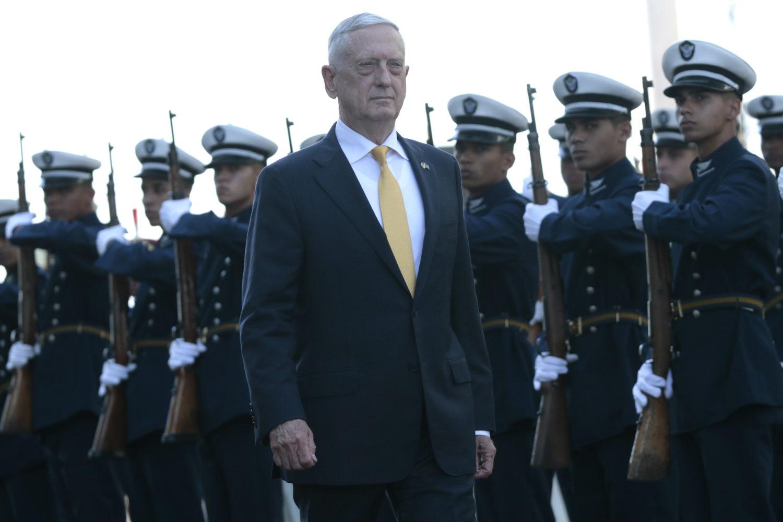 Drie hoeraatjes voor de generaals in Witte Huis