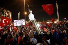 Harbers moet onderzoek doen naar vervolging Gülenaanhangers