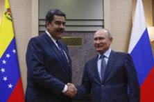 Woedende Maduro wil niet zwichten en krijgt Russische hulp