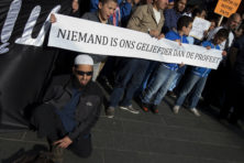 Schorsing om 'Mohammed-belediging' bewijst dat terreur loont