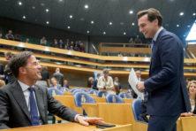 Kiezer trapt niet in kooigevecht Rutte en Baudet