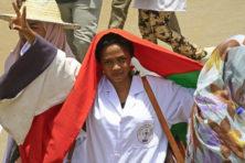 Geest uit de fles in Algerije en Sudan