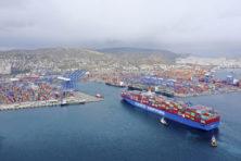 China maakt de dienst uit in haven van Piraeus