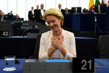 Von der Leyen definitief verkozen (en doet nu al wat Macron wil)