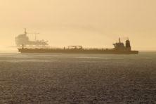 Iran waarschuwt Amerika: blijf van tanker af