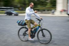 Appverbod weinig effectief door fietsende flitsmeisters