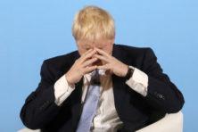 Chaos: Johnson raakt meerderheid Lagerhuis kwijt