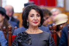 Onvrede aan Binnenhof: Arib 'schoffeert' Eerste Kamervoorzitter