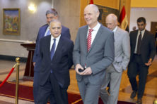 Stef Blok ziet met Irak kansen voor IS-tribunaal