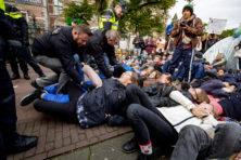Tientallen aanhoudingen in Amsterdam: 'werkloze klimaathippies'