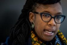 VN-rapporteur hekelt boerkaverbod en politie, prijst 'afschaffing' Zwarte Piet