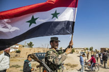 Leger Assad rukt op, coalitie oneens over terughalen IS'ers