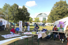 Activisten verzamelen zich in tenten voor de Rijksdag