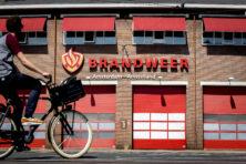 Geachte Tijs van Lieshout: ontsla fotograferende brandweermannen