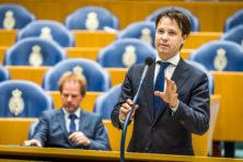 'Geef burgers kans om wetsvoorstellen bij te sturen'