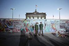 Herinneringen aan Oost-Europa in sprankelend relaas (****)