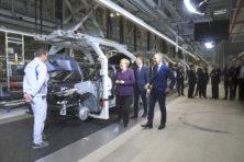 Wat merkt Nederland van geplaagde Duitse auto-industrie?