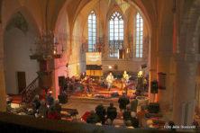 Swingen op popmuziek in de kerk doet geforceerd aan