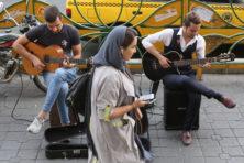 Sex Pistols in Teheran: Iraanse liefde voor popmuziek springlevend