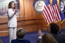 Waarom Pelosi impeachment het liefst zo snel mogelijk afrondt