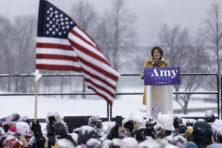 Amy Klobuchar: Wie is de onbekende kandidaat in de Democratische race?