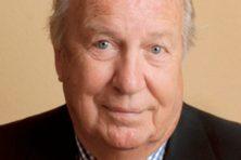 Oud-ambassadeur, vlieger en schrijver Jan Breman overleden