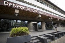Wie koopt de Nederlandse schulden?