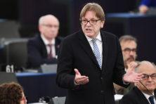 Hitler-vergelijking is misselijkmakende actie van Verhofstadt