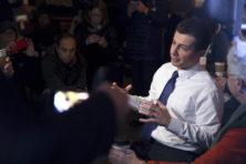 Pete Buttigieg wint na chaotische Democratische voorverkiezingen Iowa