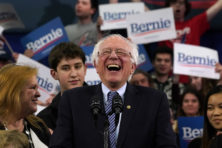 Socialist Bernie Sanders wint nipt van Buttigieg in New Hampshire