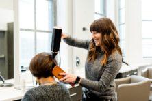 Heel goed als mannen en vrouwen gelijk betalen bij kapper