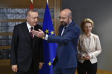 EU wil dat Turkije migranten bij Griekse grens ophaalt