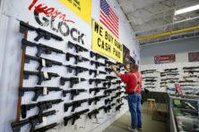 Amerikanen grijpen naar de wapens? Wat een nonsens