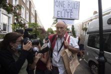 Politici worstelen met eigen coronaregels