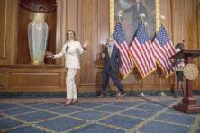 Lobbyisten hengelen naar Trumps coronamiljarden