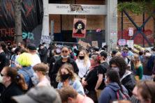 Zo gaat het eraan toe in door activisten bezette buurt in Seattle