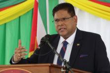 Nieuwe president Suriname wacht een loodzware klus