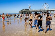 Jongen (19) doodgestoken op pier Scheveningen: zomer vol geweld op en rond stranden