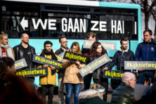 Activisten We Gaan ze Halen gaat met vliegtuig vluchtelingen uit Griekenland halen