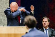 Grapperhaus verder als gedeukte minister