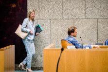 Het R-woord dwarrelt weer rond in Den Haag