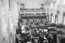 Wat in 1945 gebeurde met het parlement
