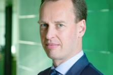 Groene Frank Elderson naast havik Klaas Knot bij ECB